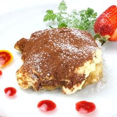 料理メニュー写真ティラミス/ガトーショコラ/本日のデザート/果実のジェラート