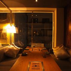 【2F】10名個室明かりを落としシックで落ち着いた個室席。周りを気にすることなく、お寛ぎ頂けます。