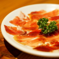 料理メニュー写真スペイン産ハモンセラーノ M/L