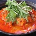 料理メニュー写真エビチリチーズの担担麺 ~フレッシュトマトふわふわ玉子添え~