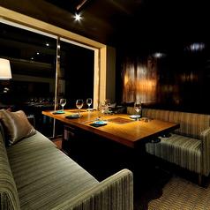 【2F】10名個室×2卓。外の景色を楽しみながら、ゆっくりとお食事をお楽しみいただけます。接待やデートでの利用にも最適。