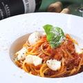料理メニュー写真モッツァレラチーズのトマトパスタ