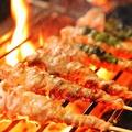 料理メニュー写真炭火 博多串焼き 地鶏2種 鶏料理多数ご用意しています
