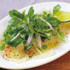 料理メニュー写真真鯛と塩こぶのカルパッチョ