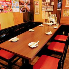 6名様テーブルを4つご用意。最大24名様前後での利用が可能です!宴会はもちろん、ご家族でのお食事や女子会、ママ会、誕生日会などにもご利用ください。