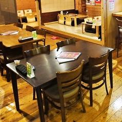 テーブル席4名様×2