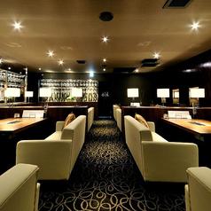 【2F】ソファー席最大30名様最大30名様までの宴会が可能です。お洒落で落ち着いた店内で大人数での宴会をお楽しみください。