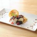 料理メニュー写真焼きカタラーナのバニラアイス添え