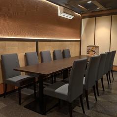 テーブル席の空間は最大24名様までご利用可能!