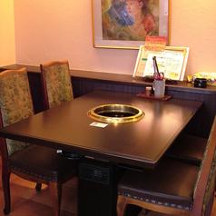 4名様掛テーブル席