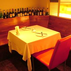 オシャレな大人の空間で、美味しいお料理と愉しい空間を演出。誕生日・記念日でお使いいただけます。