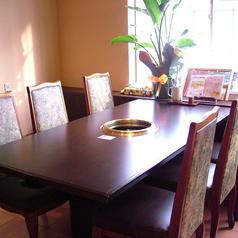 6名様掛テーブル席