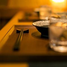 しっかりとプライベートをお守り頂ける個室でご案内致します。お客様にとってご贅沢なひと時をお過ごし頂けるよう、個室席を完備しております。気兼ねなくご友人やご家族、大切な方とのご宴会をお楽しみ頂けますので、ご予約の際にお気軽にお申し付け下さい。