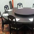 足元を気にせず、どなた様にも喜ばれるテーブル席!個室もご用意しています!
