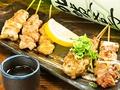 料理メニュー写真地頭鶏串焼き盛り合わせ5本
