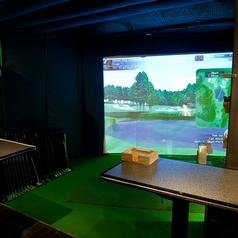 【半個室】ご飲食をしながらゴルフ♪プライベートな時間をお過ごしください♪パーテーションご利用可能