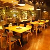 自然食ビュッフェ ぶどうの丘 静岡セノバ店の雰囲気3