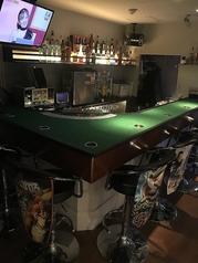 一名様にはカウンターがおススメ!ギャンブル好きが多いので、初めての方とも意気投合することでしょう!仲良くなればボックス席に移動して一緒にギャンブルしちゃいましょう!!!