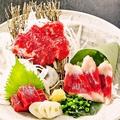 料理メニュー写真九州直送!馬刺し三種盛り