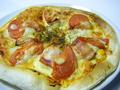 料理メニュー写真ジャーマンピザ
