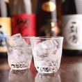 湊一や 日本橋(八重洲)店の食材にもこだわった和食料理との相性も抜群の日本酒や焼酎などのお酒を豊富にご用意。ご接待やご会食などの外せないシーンにも満足いただけること間違いなしです。スタンダード飲み放題に+550円(税込)で銘柄焼酎も楽しめるプレミアム飲み放題にグレードアップが可能です。
