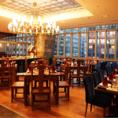盤古殿コレド日本橋店は、全体で138人収容できる広い店内となっています。接待や宴会はもちろんの事、デザイン性にも優れた店内は、デートや記念日などにも最適です。また、店内全体が広く見渡せる設計になっていますので、会社や部署を貸しきっての100人規模での大宴会にも対応。