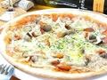 料理メニュー写真クアトロフォルマッジ ~4種のチーズのピザ~