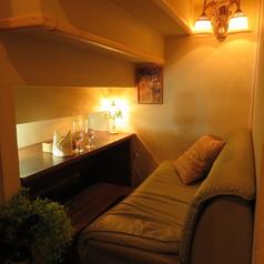 カップルにオススメ!隠し部屋の様な2人の空間のカップルシート