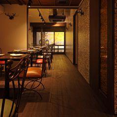 【2階】パーテーションで仕切れば個室になります。個室は最大32名様でご利用頂けます。