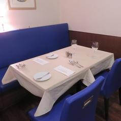 2名~4名まで可能なソファー席を完備。女子会や各種食事会に人気です!