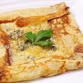 料理メニュー写真4種類のチーズのガレット