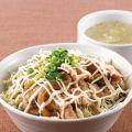 料理メニュー写真豚マヨ丼(スープ付き)