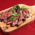料理メニュー写真大人気の特製ローストビーフ