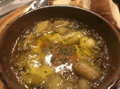 じゃが芋とモッツァレラチーズの明太アヒージョ