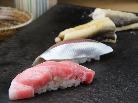 多くのメディアに取り上げられる絶品鮨店