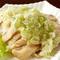 料理メニュー写真蒸し鶏のネギソースかけ