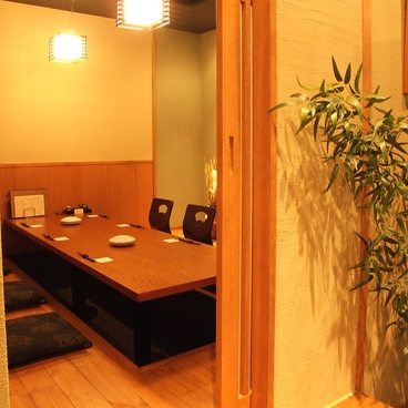 鶏味庵 とりびあん 関内店の雰囲気1