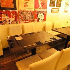 テーブルは2名・4名・6名と人数に応じます