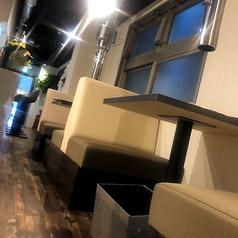 【テーブル2名席(2卓)】デート/誕生日/記念日おススメ♪清潔感あるゆったり空間で大切な人と特別な夜を…