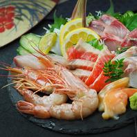 新鮮な馬肉や自慢の魚料理と肉寿司を食べ尽くせ!