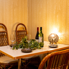 テーブル席はお勤め先での飲み会や宴会はもちろん女子会・誕生日会等にもオススメ◎プライベート空間で周りを気にせずごゆっくりお過ごしください!宴会個室を各種ご用意しているので幅広いシーンのご利用いただけます!お席のご相談や下見のご希望などお気軽にお電話でお問い合わせください!お得なクーポンも配信中♪