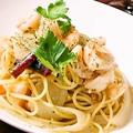 料理メニュー写真海老とアンチョビのオイルパスタ