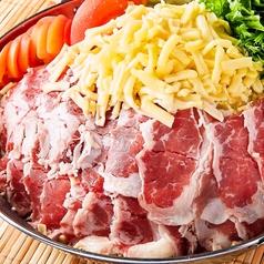 濃厚チーズ×肉バル 池袋BASE 東口店の写真