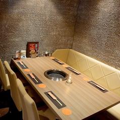 お忍び感たっぷりの個室空間は接待やデート、プライベート宴会などに大人気!
