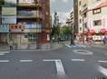 交番を背にして、交差点を渡り、吉野家の脇道をまっすぐ。