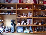コーヒー豆、器具も販売しております♪