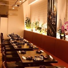 Denny WINE MEAT 横須賀中央東口店の雰囲気1