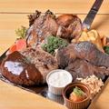 料理メニュー写真【15人前】超大皿料理!肉の三横綱揃い踏み