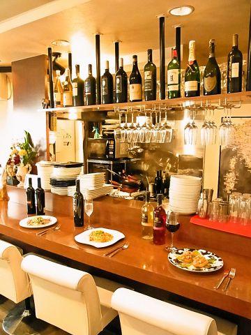 イタリア在住歴10年のマスターによる料理は絶品!隠れ家的な雰囲気もあります。