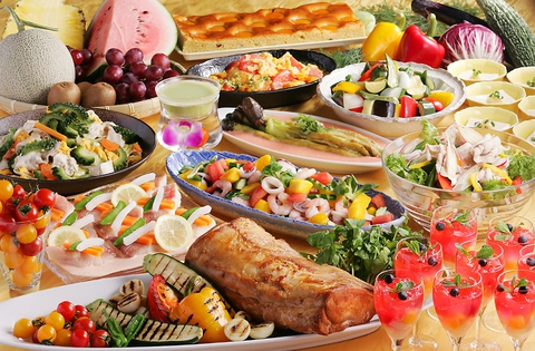 野菜ソムリエ厳選の新鮮野菜を使ったバランスの良い料理が、全て食べ放題!